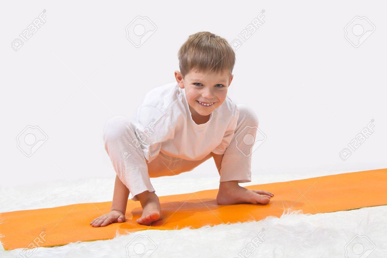 Baby yoga Stock Photo - 11950387