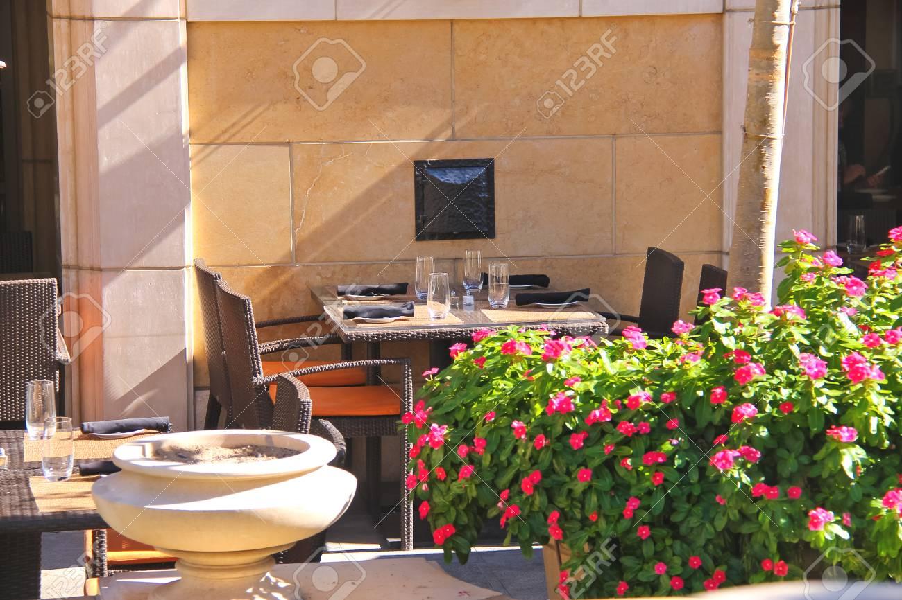 Restaurant Terrasse Im Italienischen Stil Lizenzfreie Fotos Bilder