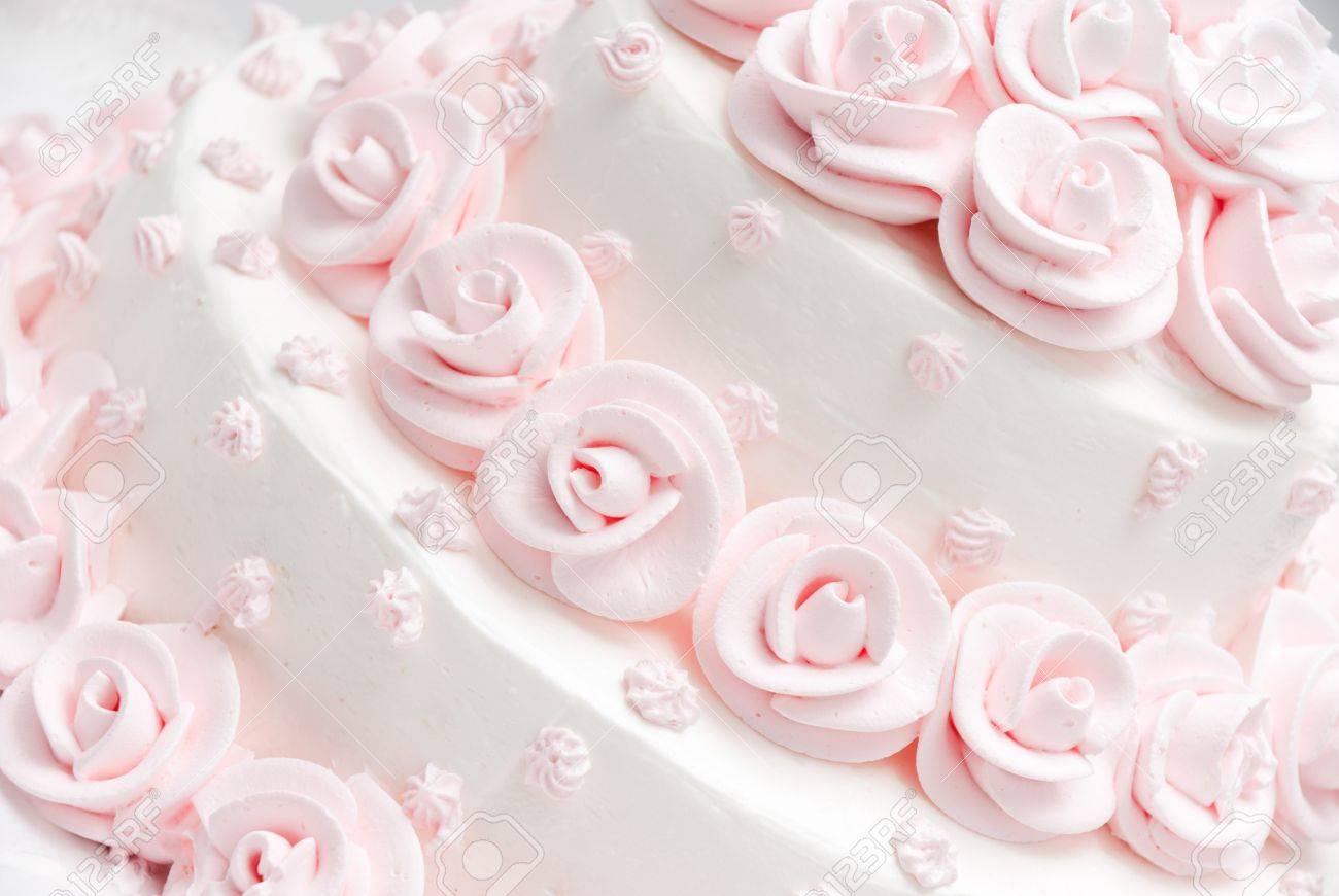 Rose Et Blanc Délicieux Gâteau De Mariage De Luxe Avec Des Roses