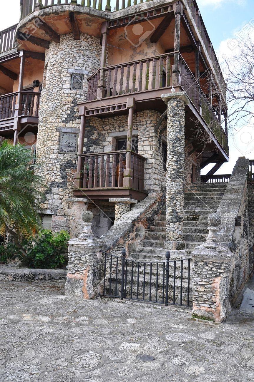 Parte De La Fachada De Las Casas Antiguas Espanolas Forrada De - Fachadas-antiguas-de-casas