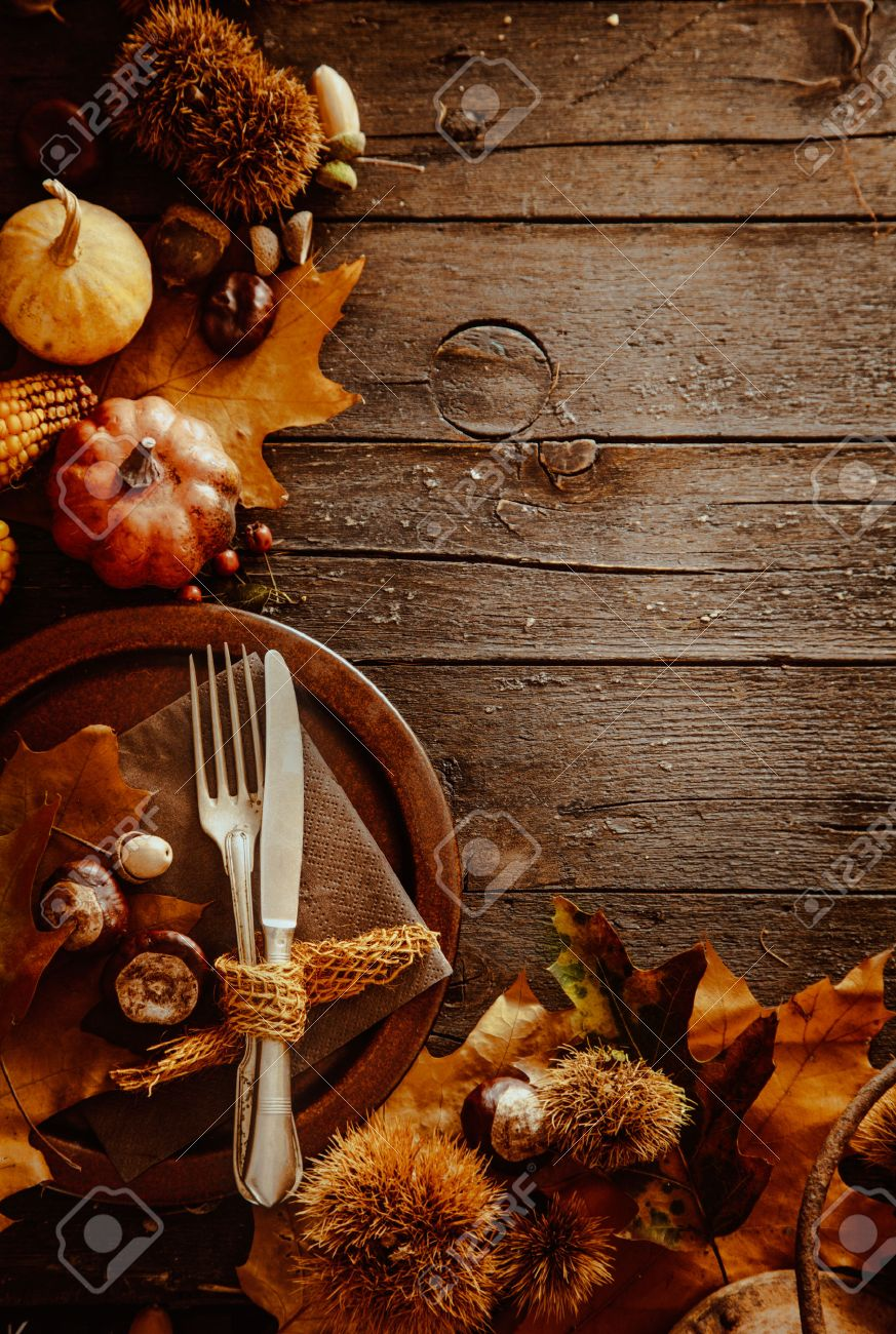 Thanksgiving dinner. Autumn fruit with plate and cutlery. Thanksgiving autumn background - 46775030