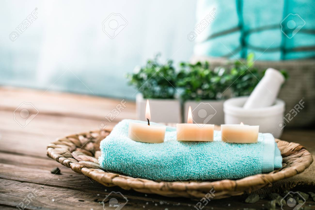 Spa and wellness setting with flowers and towels. Dayspa nature products - 72024042