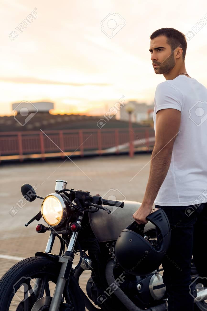 Just Wanna Ride Cafe Racer Mens Biker T-Shirt Motorbike Bike Custom