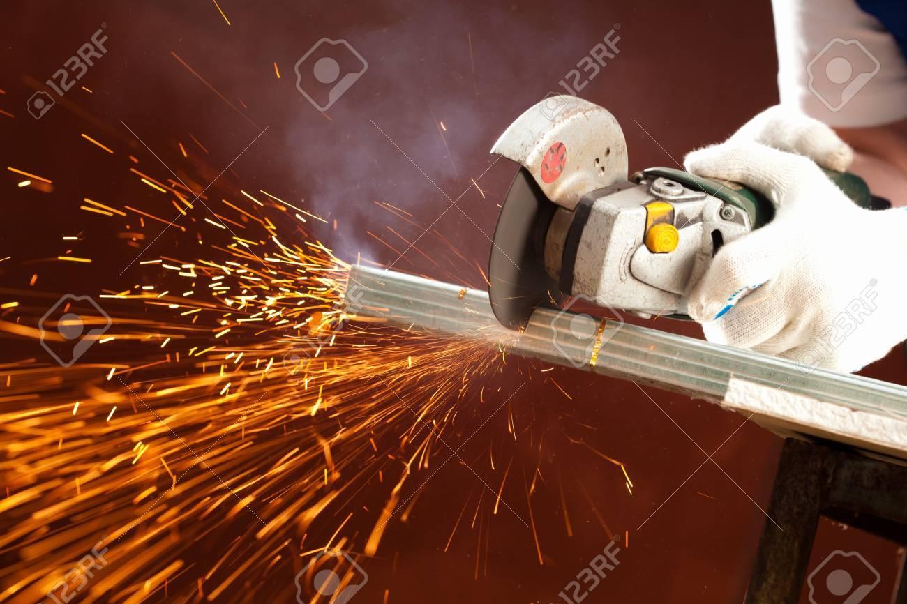 cutting metal Stock Photo - 7352774