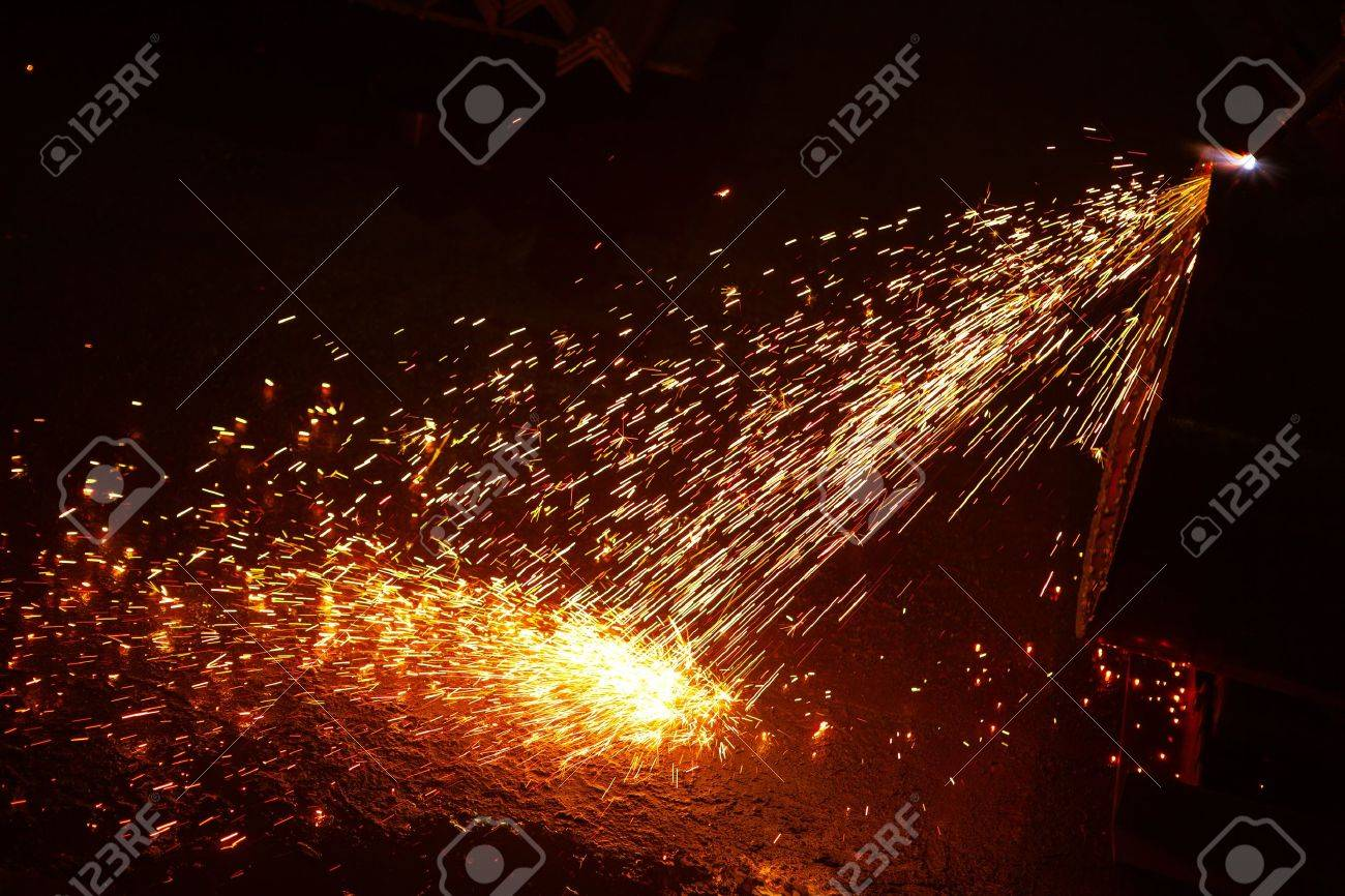 welding sparks Stock Photo - 11640262