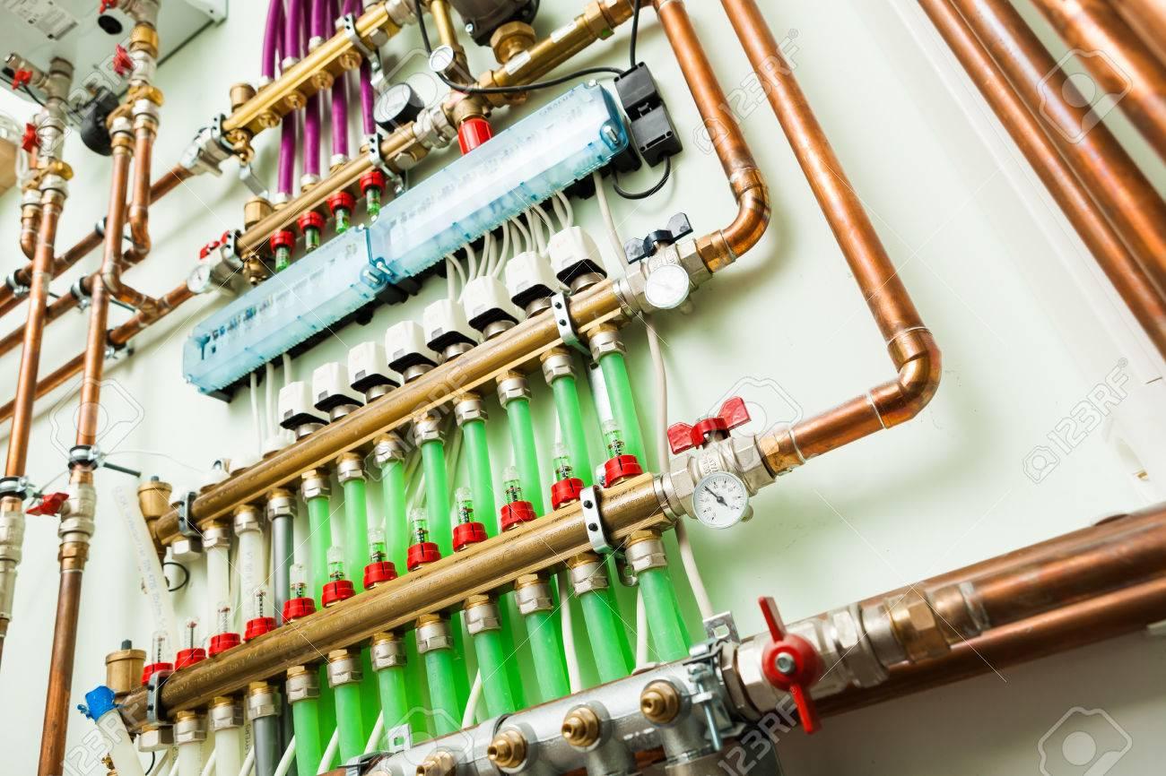 underfloor heating control system in boiler-room - 37777234