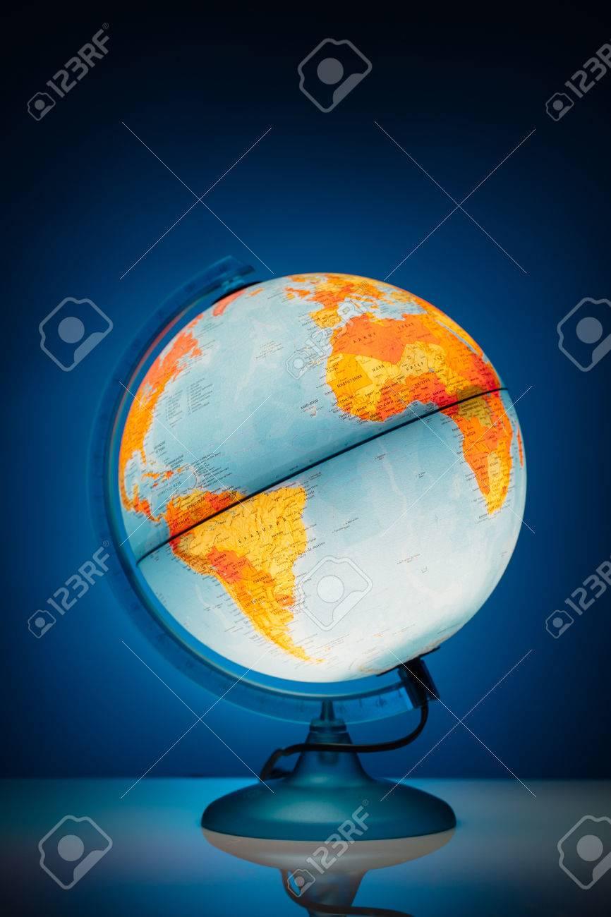 https://previews.123rf.com/images/nikkytok/nikkytok1601/nikkytok160100061/51109992-illuminated-earth-globe-model-on-blue-background.jpg