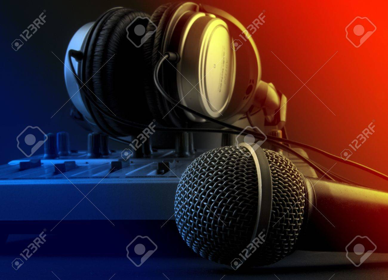Group Of Microphone And Headphones Wallpaper