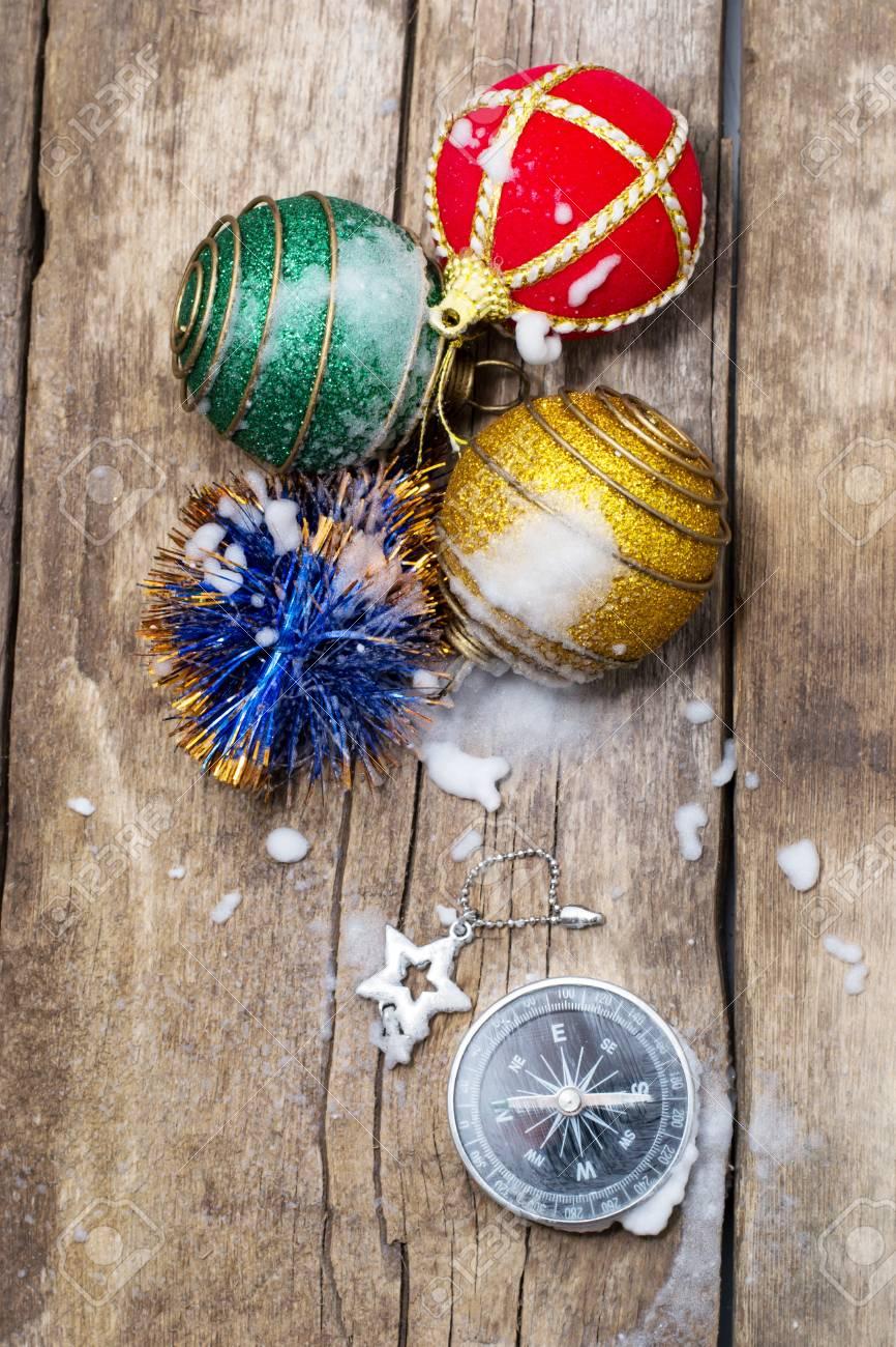 Boussole Voyageur Et Decorations De Noel Banque D Images Et Photos