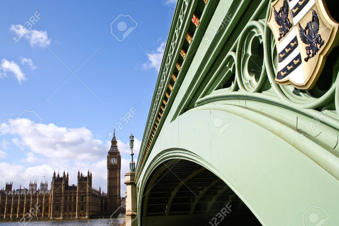 Parliament and bridge, London, England Stock Photo - 11032377