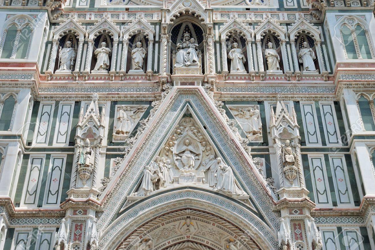 Fragment of facade the Basilica di Santa Maria del Fiore in Florencia, Italia. Stock Photo - 7855906