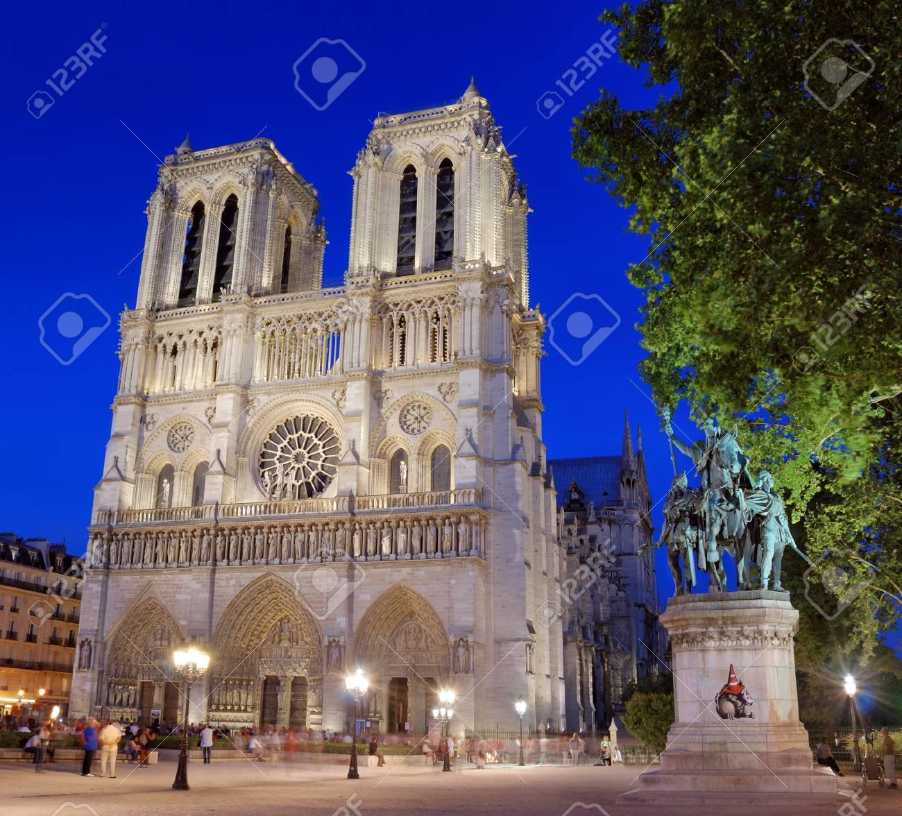 The cathedral Notre Dame de Paris in Paris, France. Stock Photo - 16019834