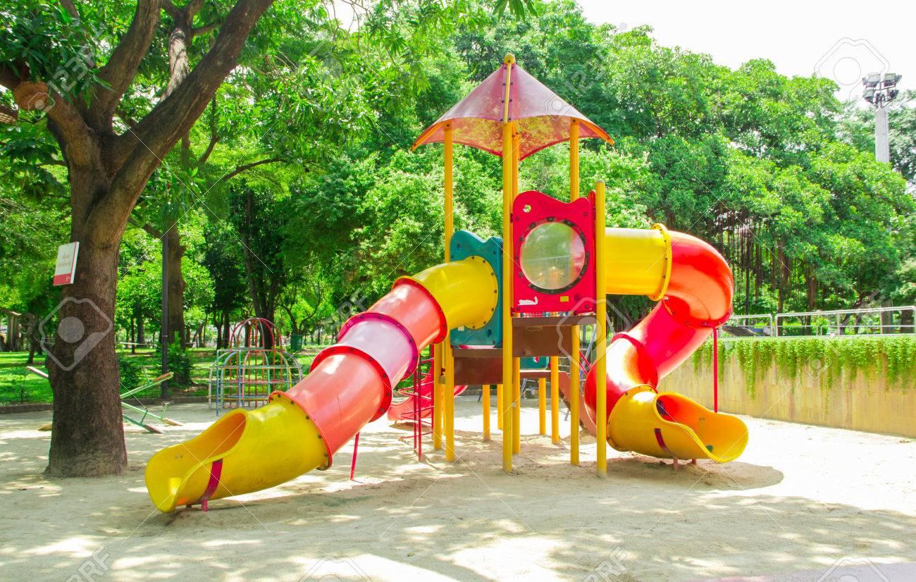 Un Colorido Los Ninos Juegos Infantiles Fotos Retratos Imagenes Y