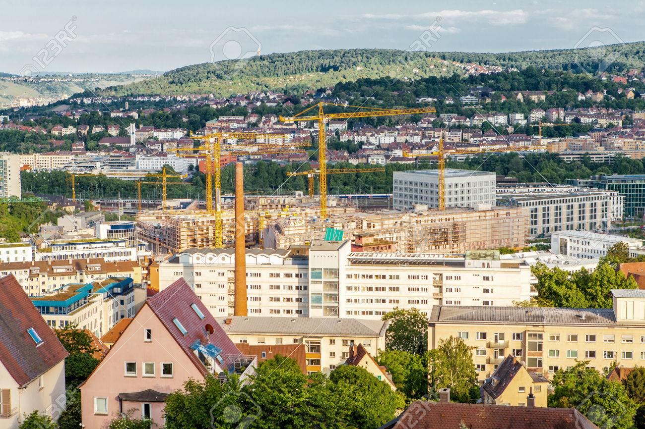 Vista De La Terraza Panorámica De Stuttgart Alemania Mostrando Modernos Edificios De Gran Altura Entre La Arquitectura Histórica Tradicional Con