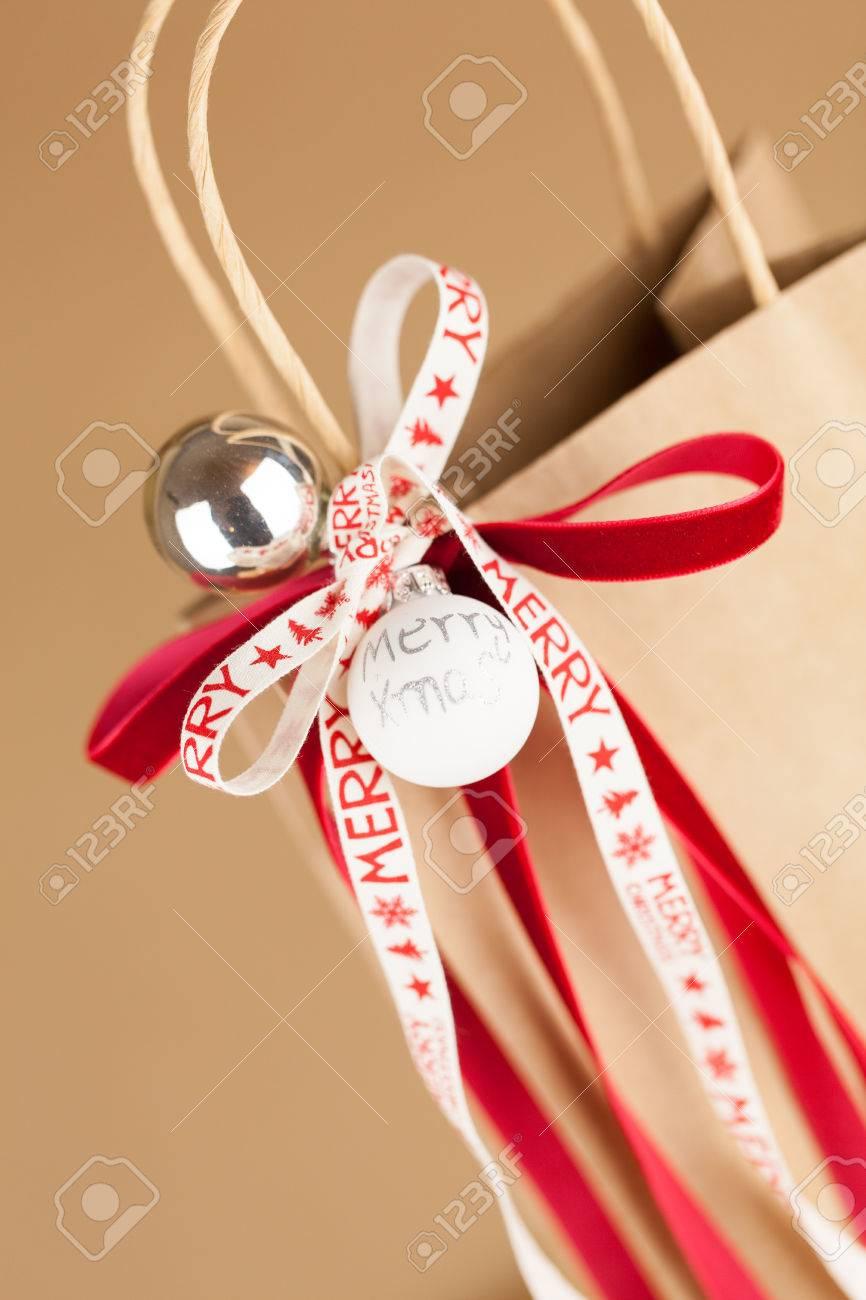 Gros Plan De Sac Cadeau Noël De Papier Kraft à Décoration