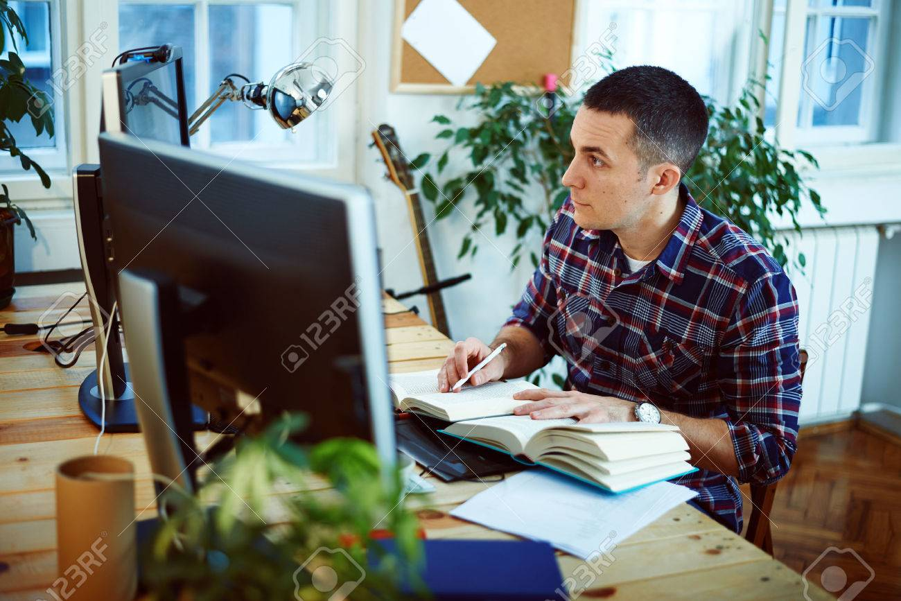 Man working at home - 35654190