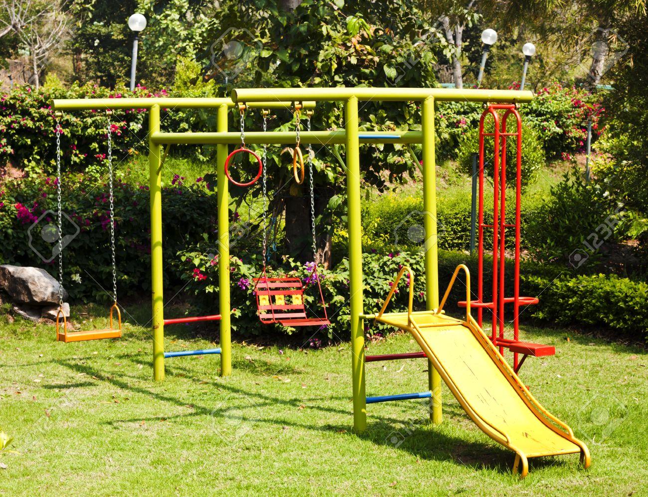 Los Ninos Juegos Infantiles En El Jardin Botanico Fotos Retratos