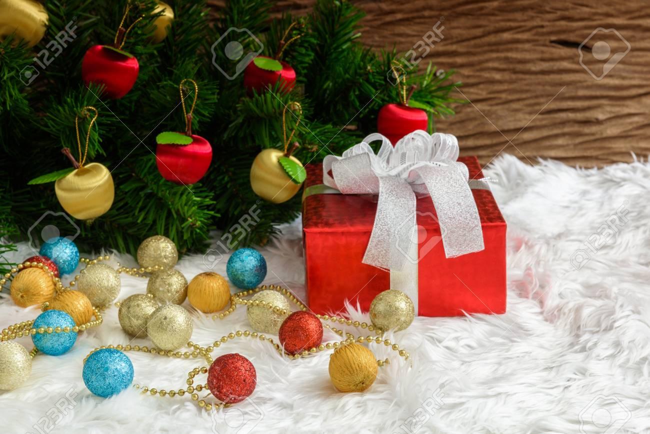 Caja De Regalo Y Adornos Para Arboles De Navidad Motivos Navidenos - Motivos-navidad