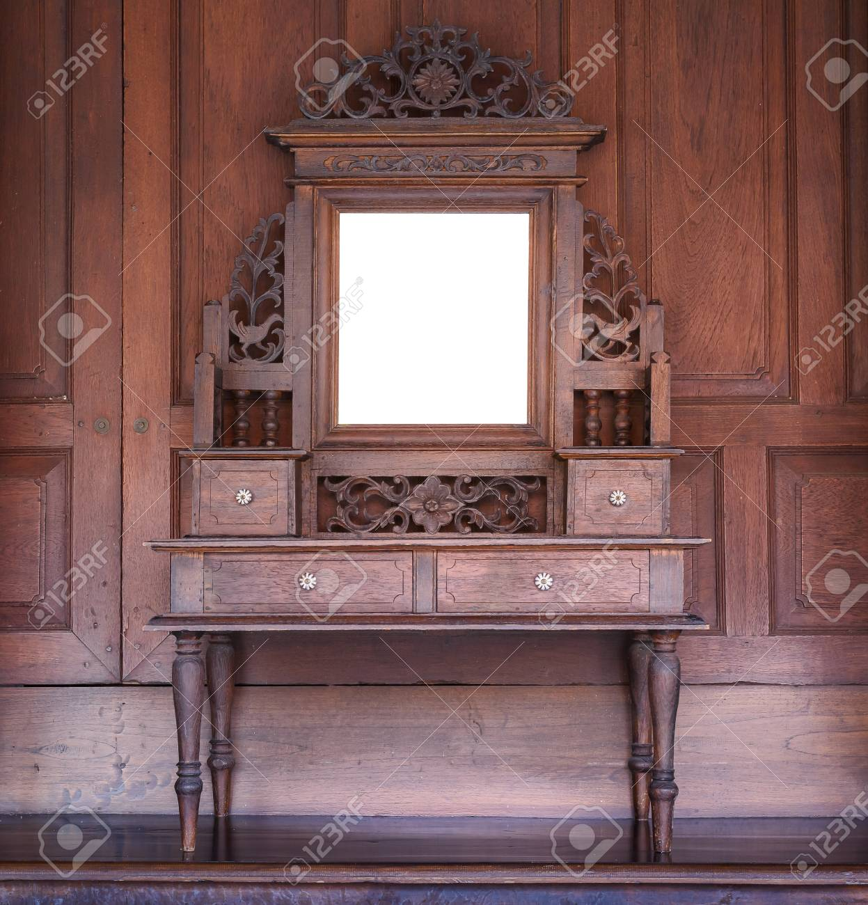 Old Wooden Vanity, Vintage Dressing Table In Old Thai House Style Stock  Photo   89997173