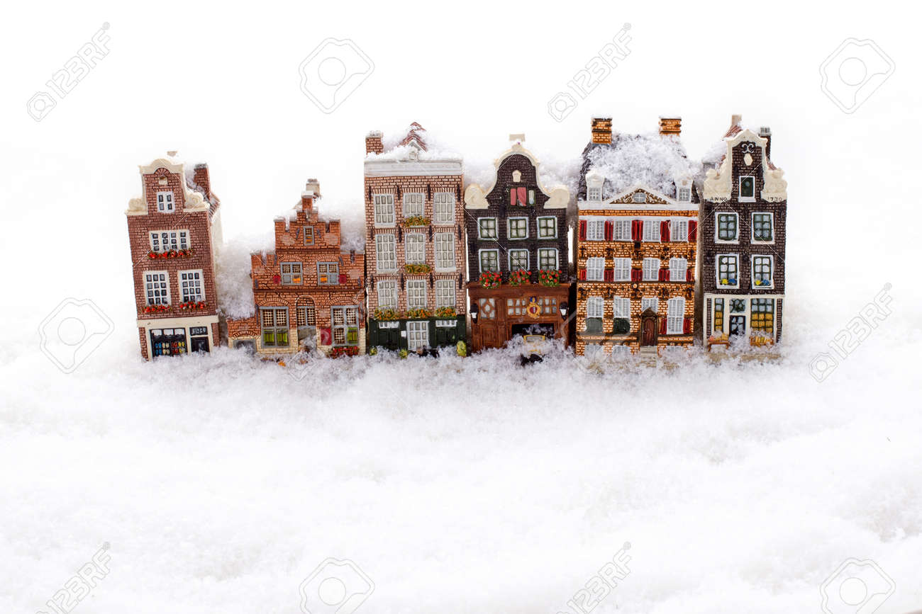 Amsterdam houses in the snow in winter in the Netherlands - 172314436