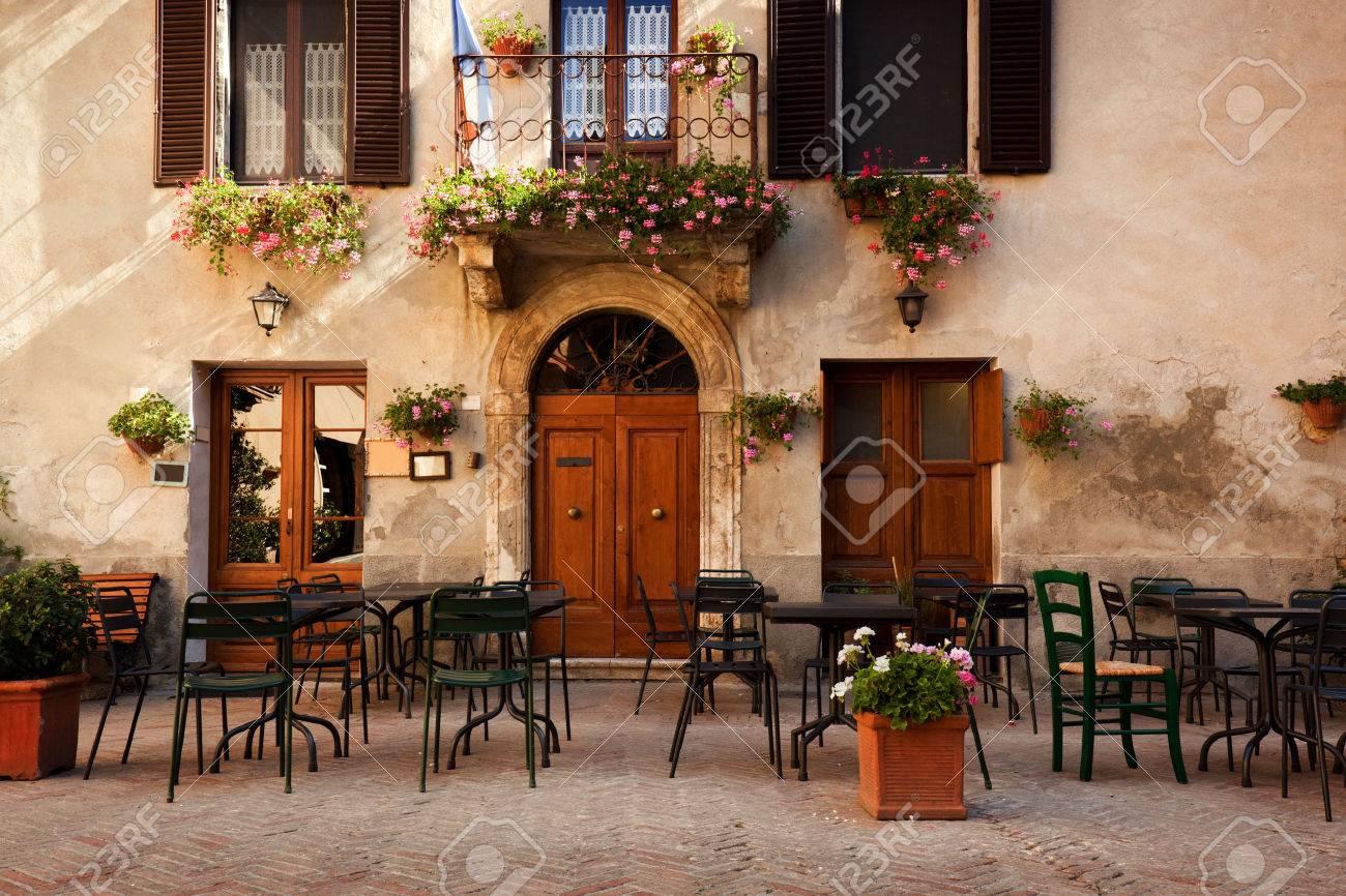 Italian restaurant exterior - Restaurant Exterior Retro Romantic Restaurant Cafe In A Small Italian Town Vintage Italy