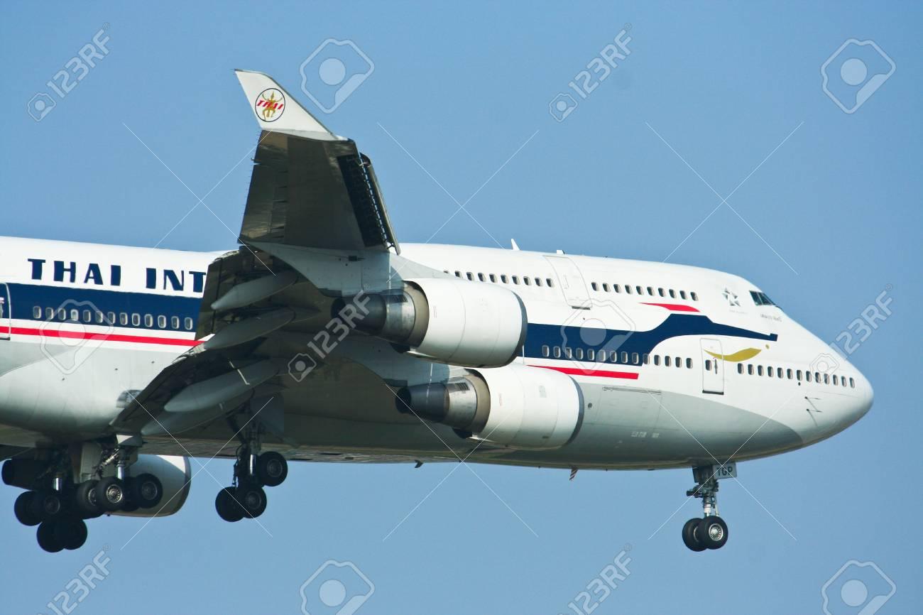 HS-TGP, Boeing 747-400 thaiairway retro paint. Stock Photo - 18171295