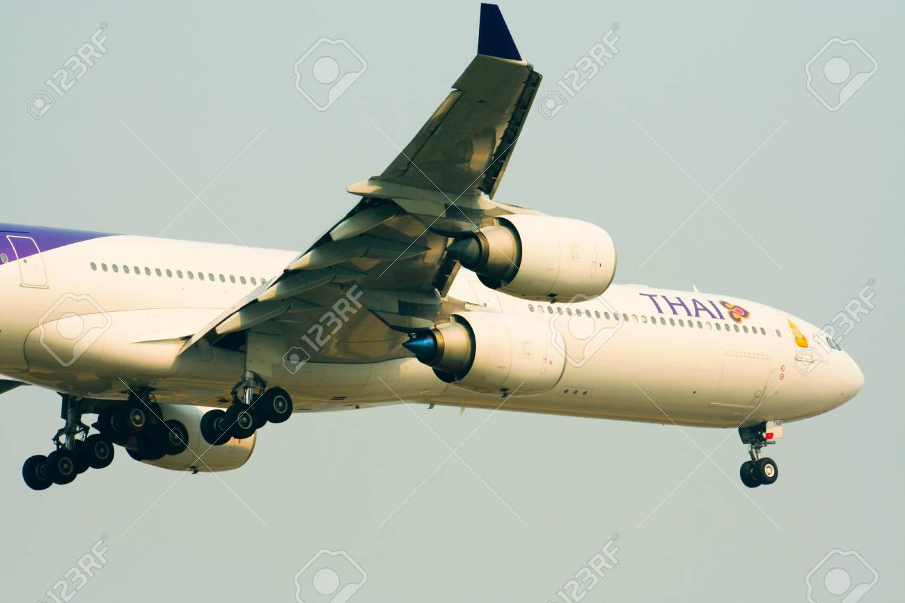 Airbus a340-500 600 Thaiairway Stock Photo - 21293602