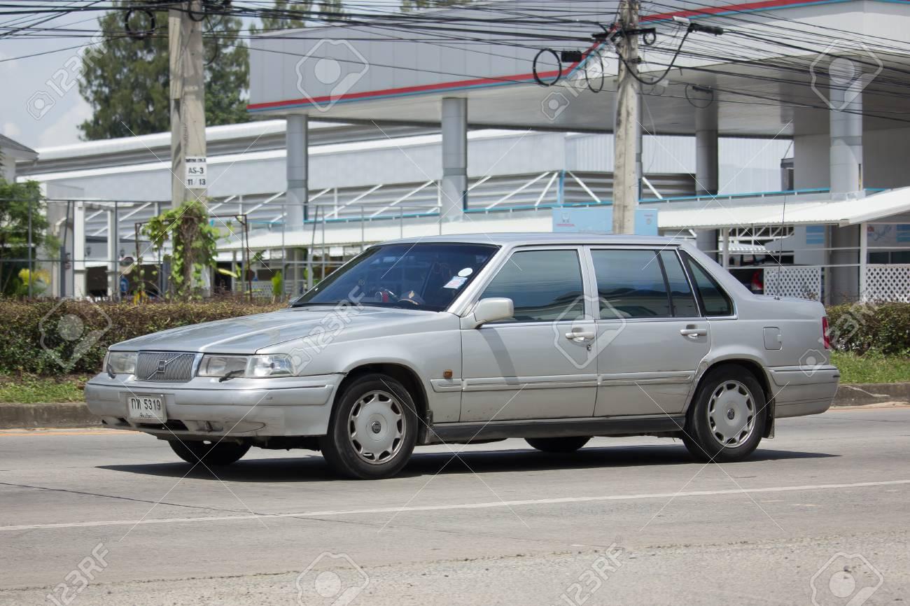 Chiang Mai Tailandia 22 De Agosto De 2017 Carro Particular Volvo Sedan Car S60 Na Estrada No 1001 A 8 Km Da Cidade De Chiangmai Fotos Retratos Imagenes Y Fotografia De Archivo