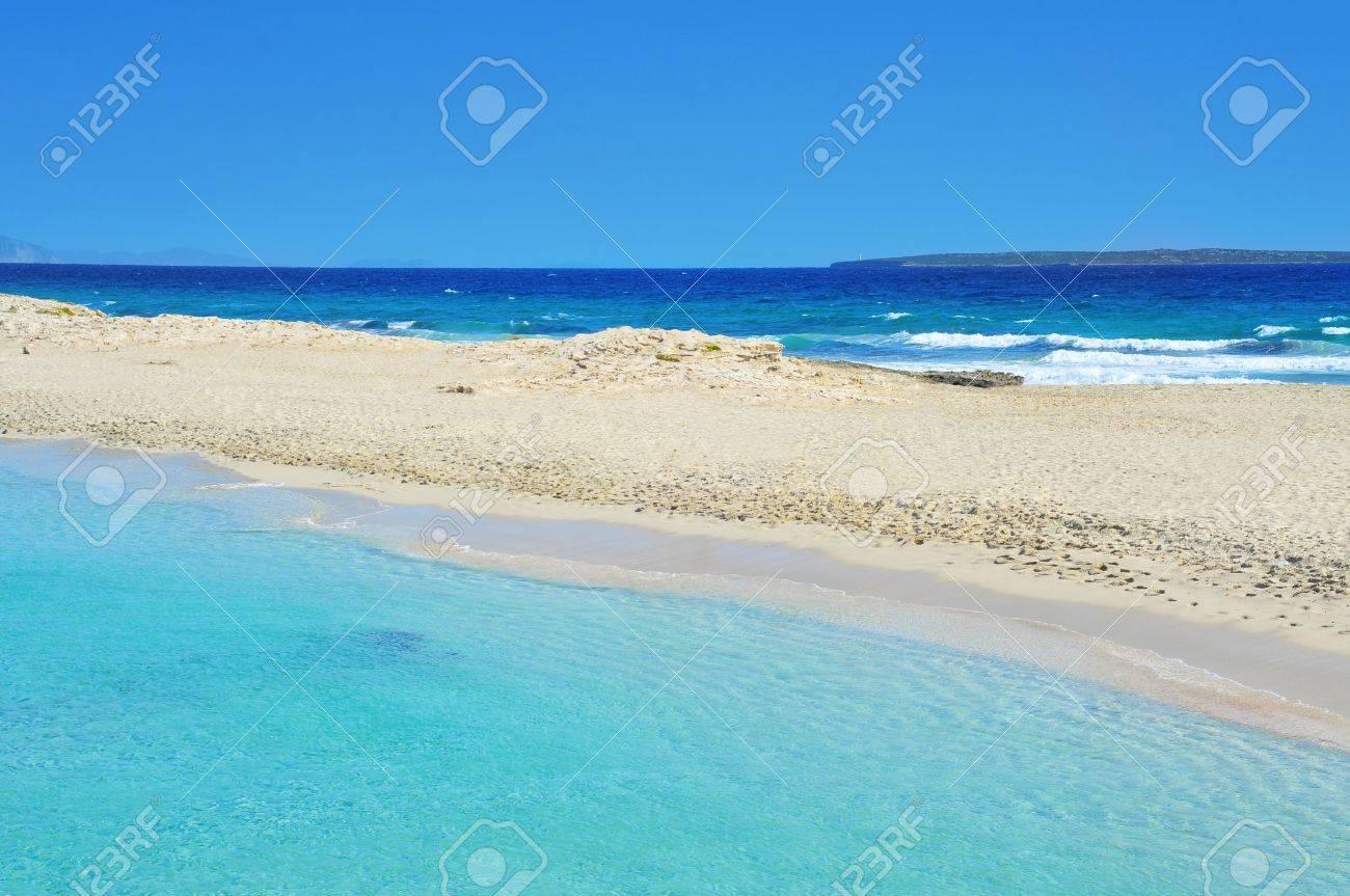 la playa balear de ses illetes en formentera