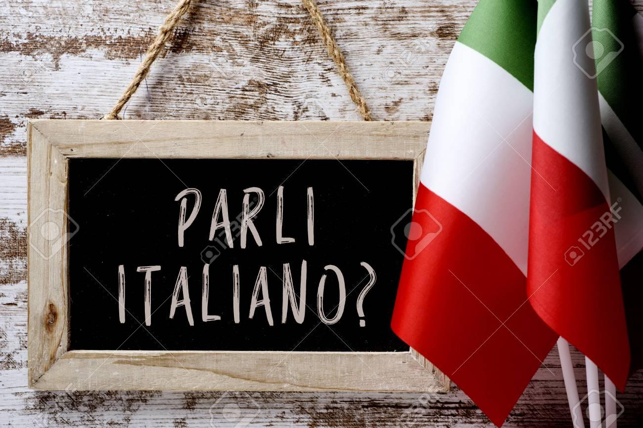 Eine Hölzerne Tafel Mit Der Frage Parli Italiano? Sprichst Du ...