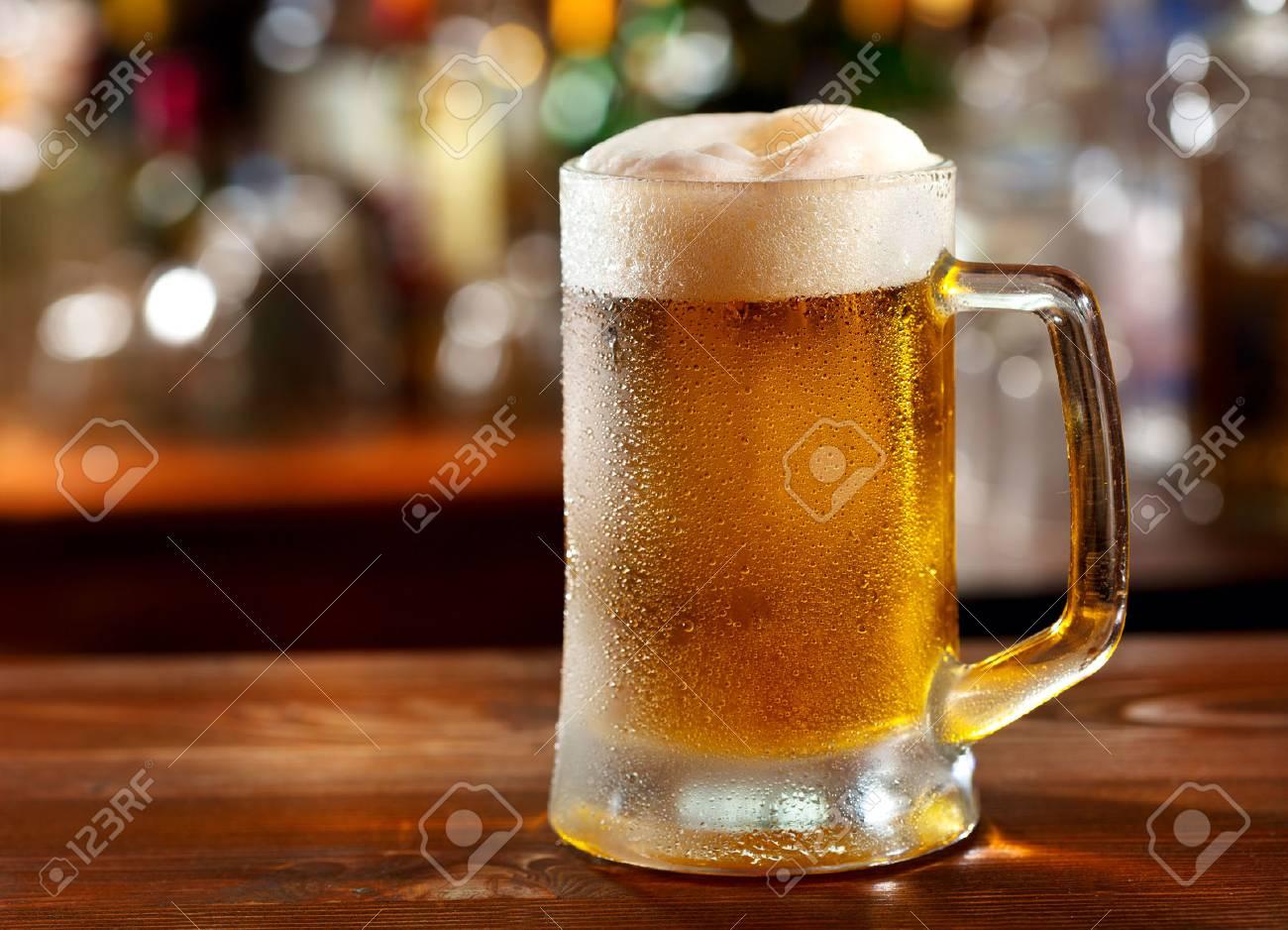 """Expresa tu momento """" in situ """" con una imagen 23042932-jarra-de-cerveza-fr%C3%ADa"""