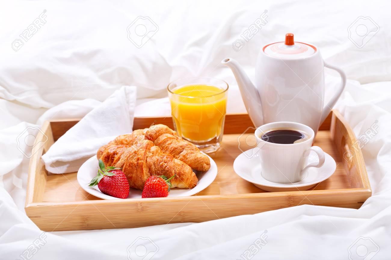 Immagini Colazione A Letto.Immagini Stock Colazione A Letto Vassoio Con Tazza Di Caffe E