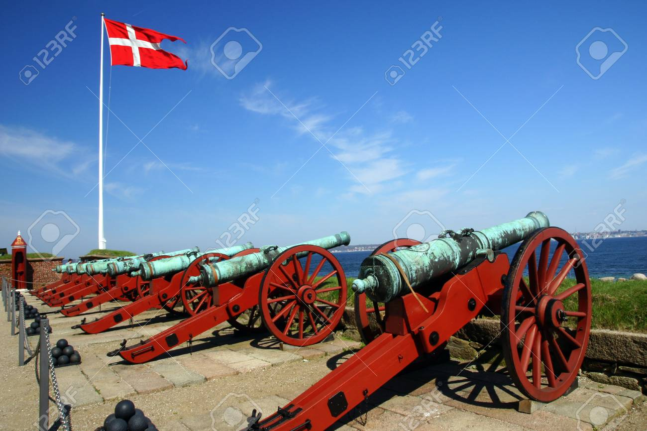 Castle Helsing & Atilde, Denmark Stock Photo - 13370701