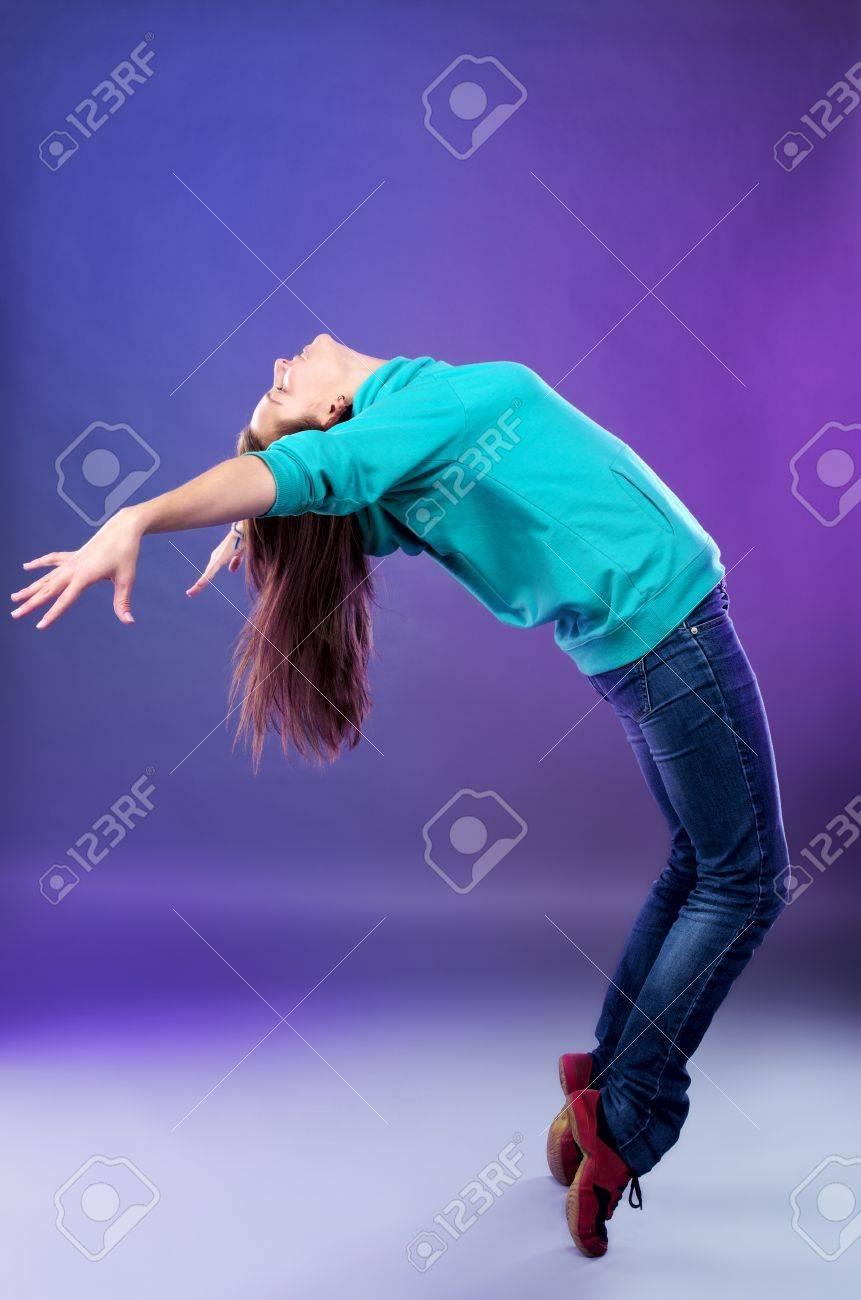 Mujer joven bailando hip-hop Foto de archivo - 11743838