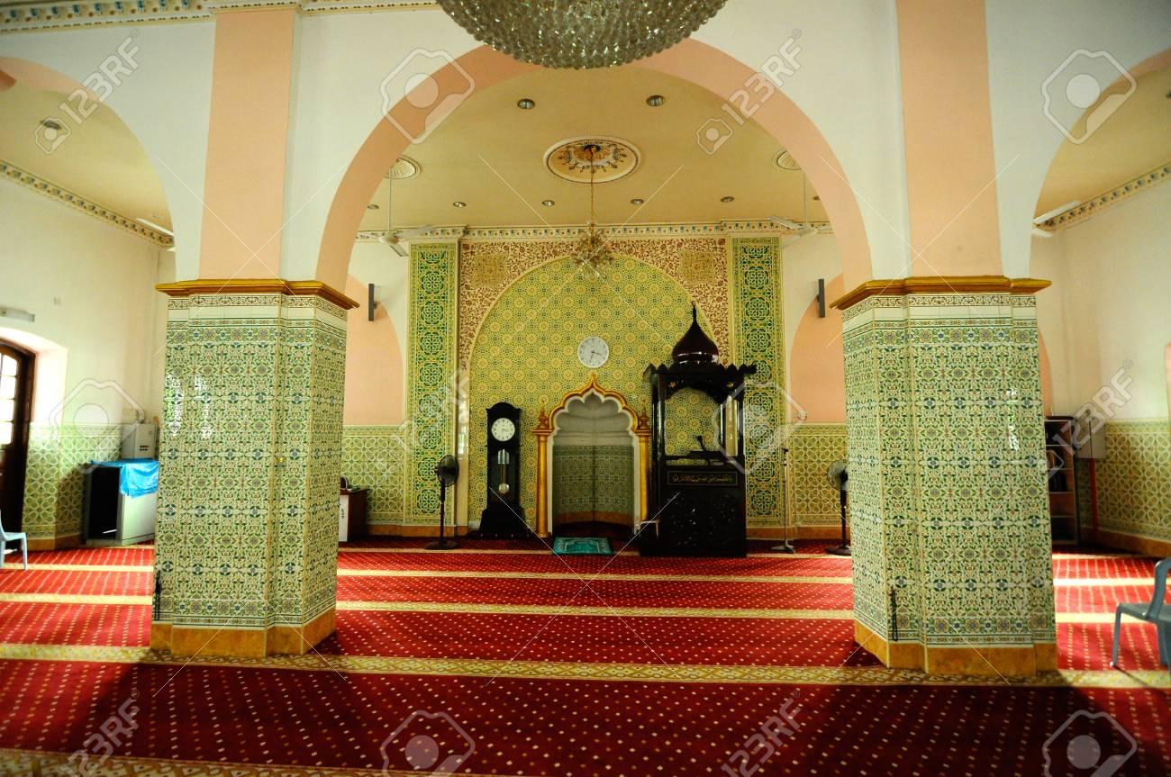 interieur van de indiase islamitische moskee in ipoh perak maleisi op 01 juni 2015