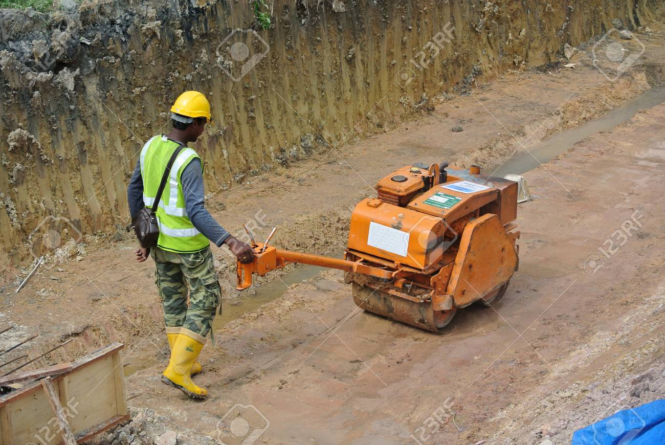 Johor Malaysia September 25 2014 Construction Workers Using Stock Photo Picture And Royalty Free Image Image 47907306