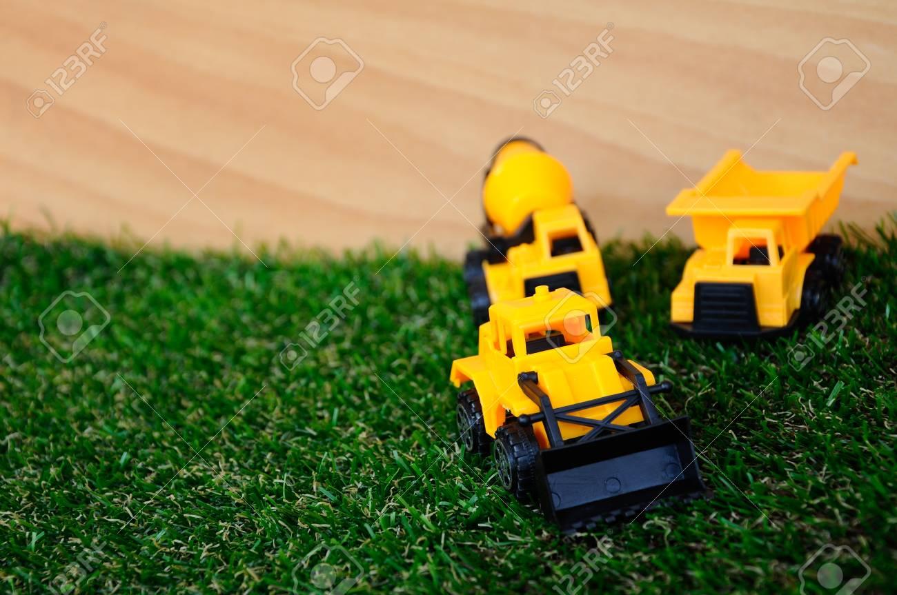 Produzione Giocattoli In Plastica.Immagini Stock Giocattoli Pesanti Macchine Produzione Di Plastica
