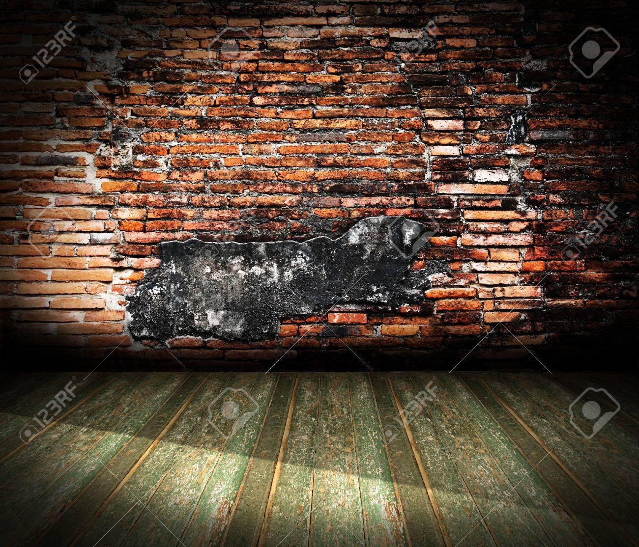 Oude Kamer Met Bakstenen Muur. Grunge Industriële Interieur ...