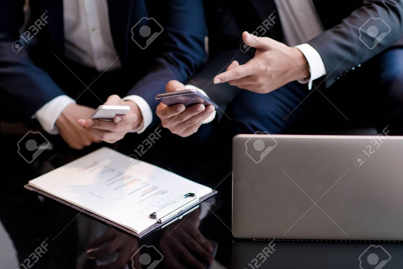 Rencontrer des hommes d'affaires à dubaî