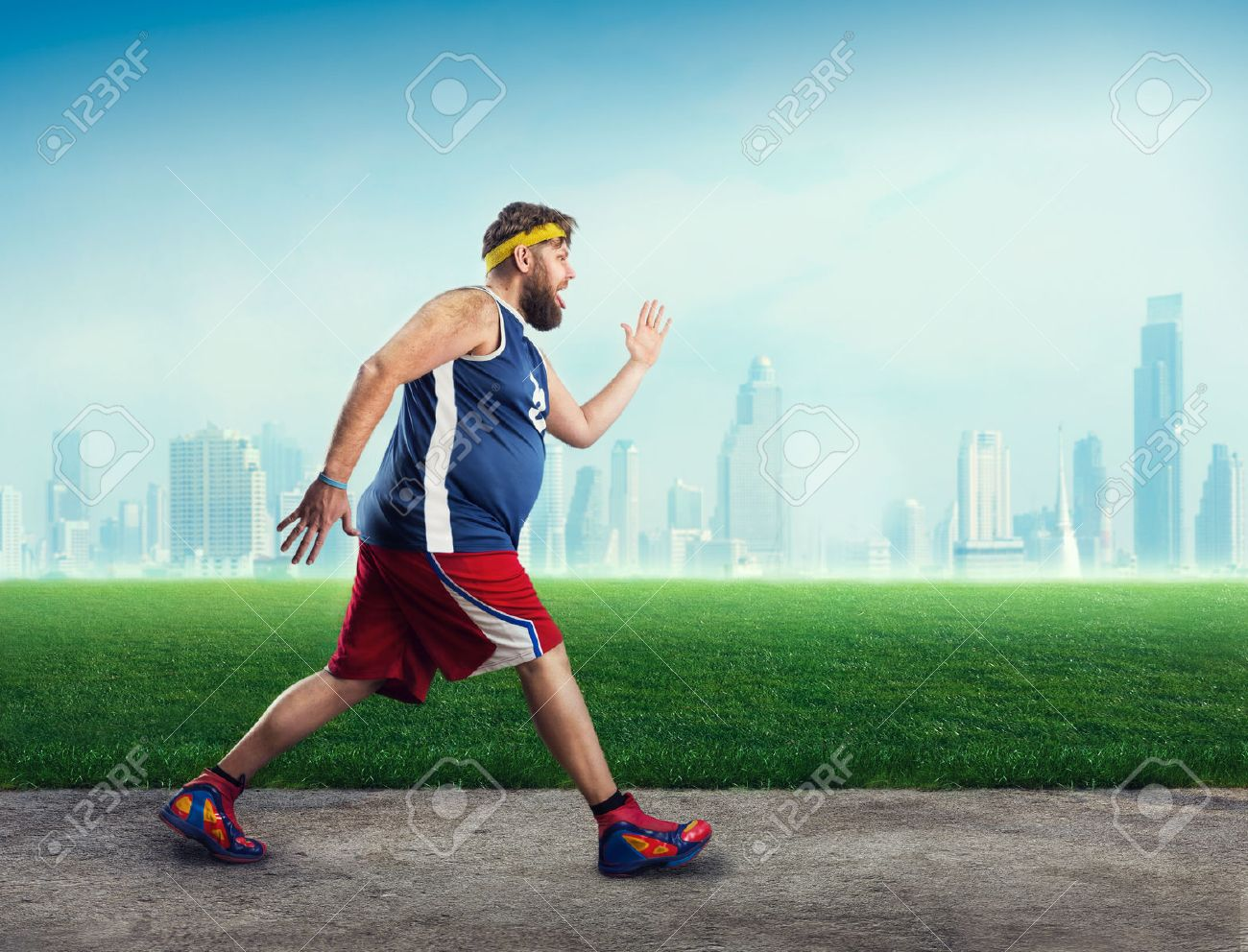 Fat sportsman running in the open air Stock Photo - 40221007