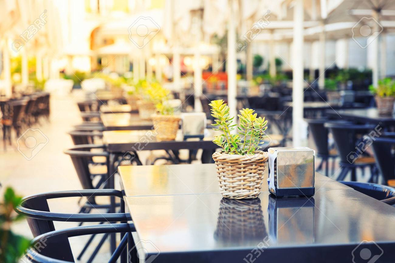 Restaurant outdoor in the street, Portugal, Madeira - 46391573