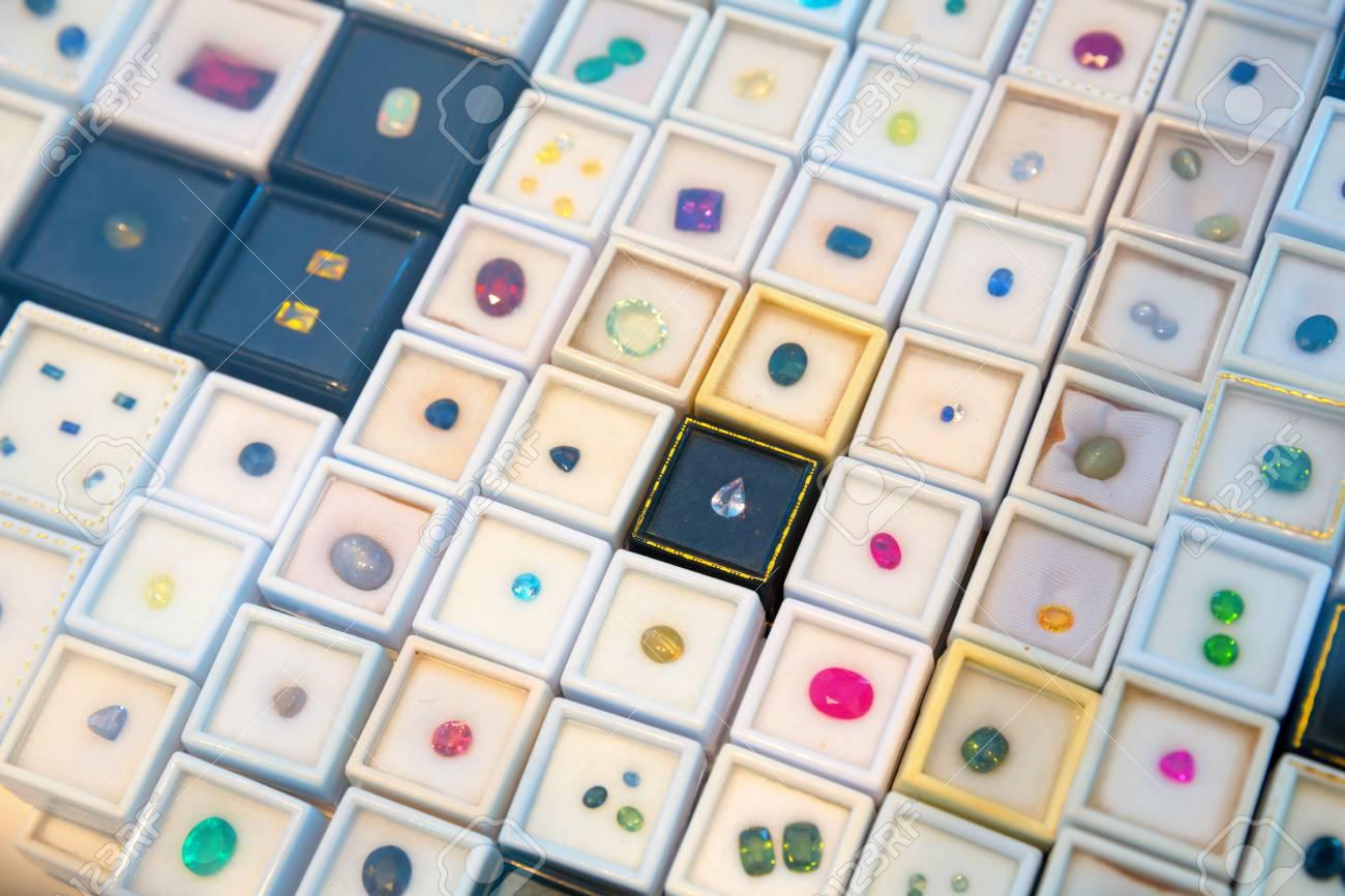 sortie d'usine acheter pas cher liquidation à chaud Collection de bijoux en pierres précieuses, Sri Lanka