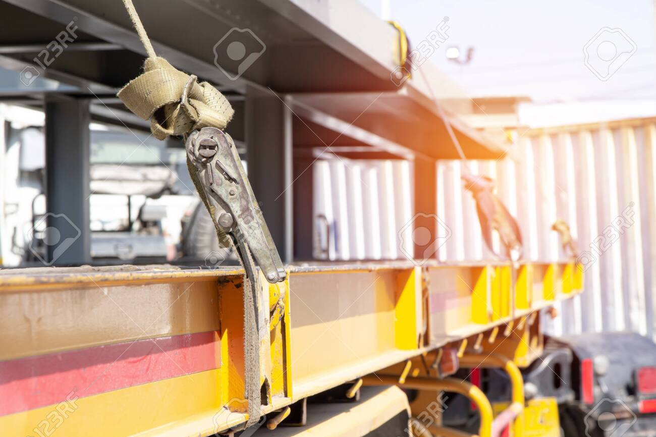 Ratchet Strap for fastening products to prevent falling on the truck with transportation work - 148591581