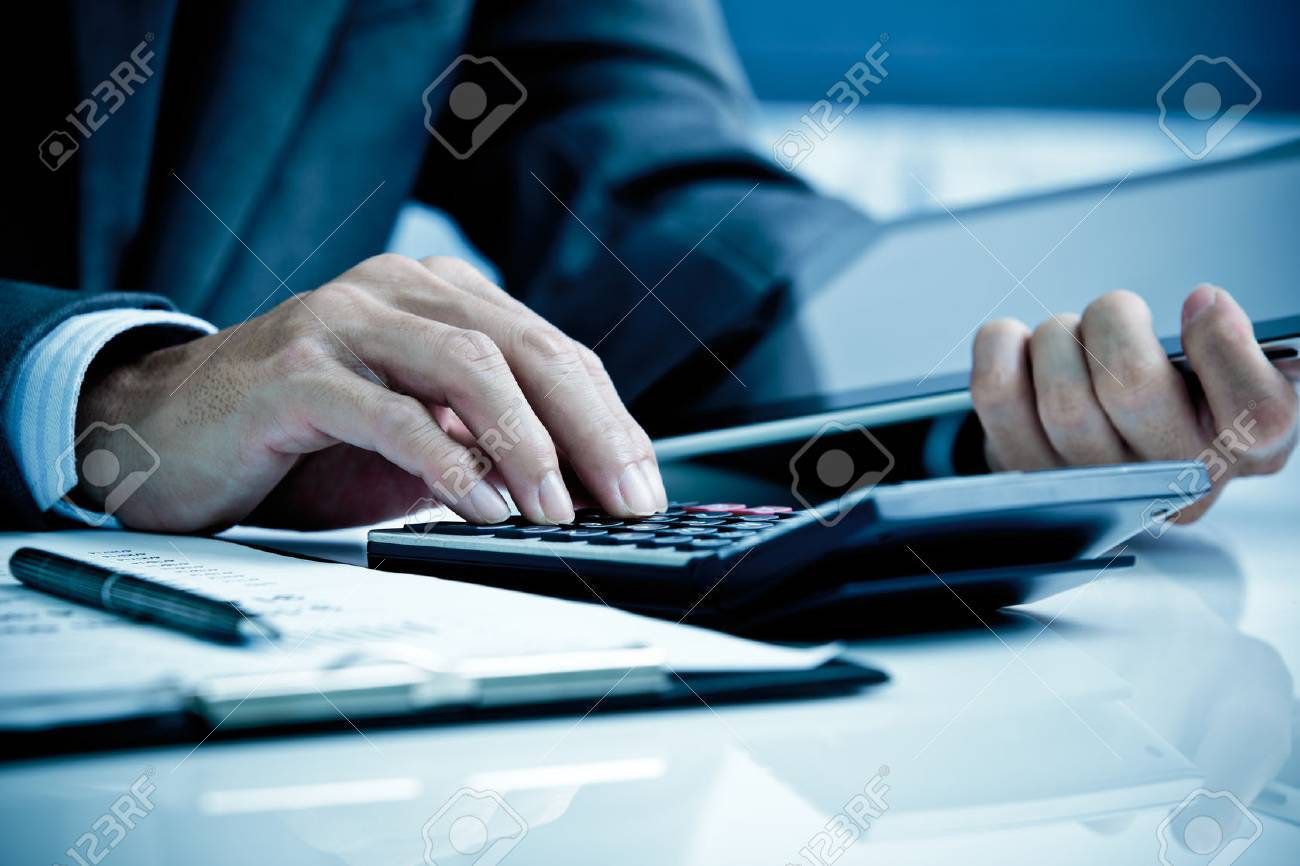 Analyse Man Business Accounting Banque d'images - 47838507
