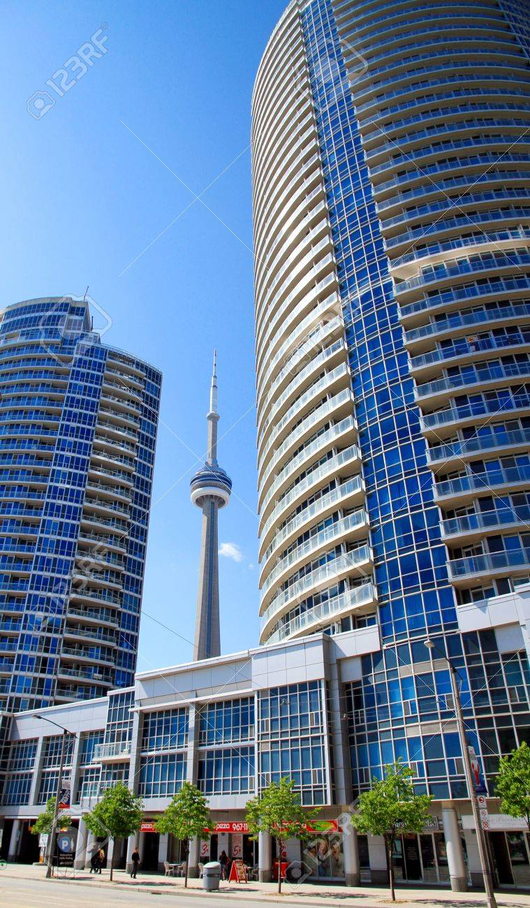 The CN Tower is a communications and observation tower in Downtown Toronto, Ontario, Canada  Stock Photo - 13795972