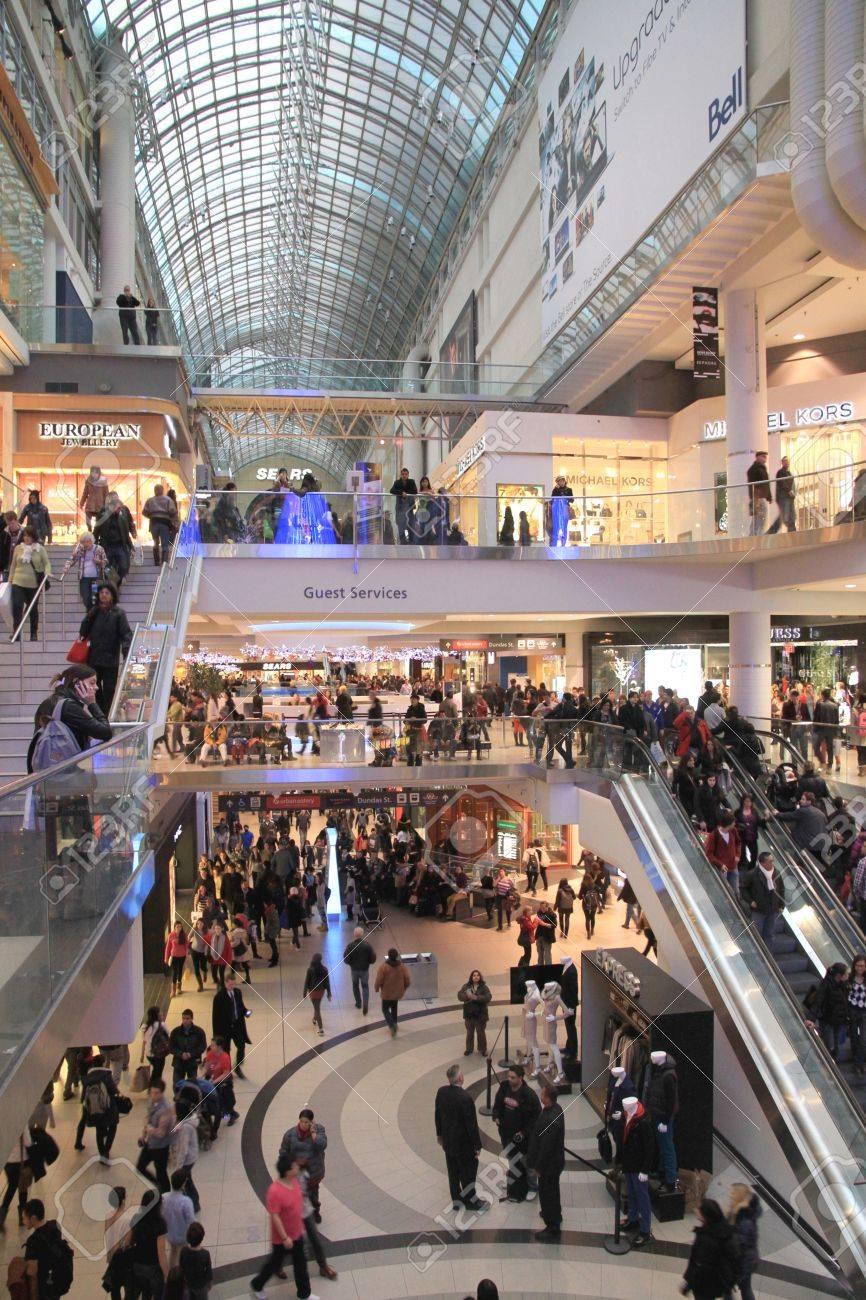 A view of the Chrismas shopping at the Eaton Center in Toronto Stock Photo - 17025765