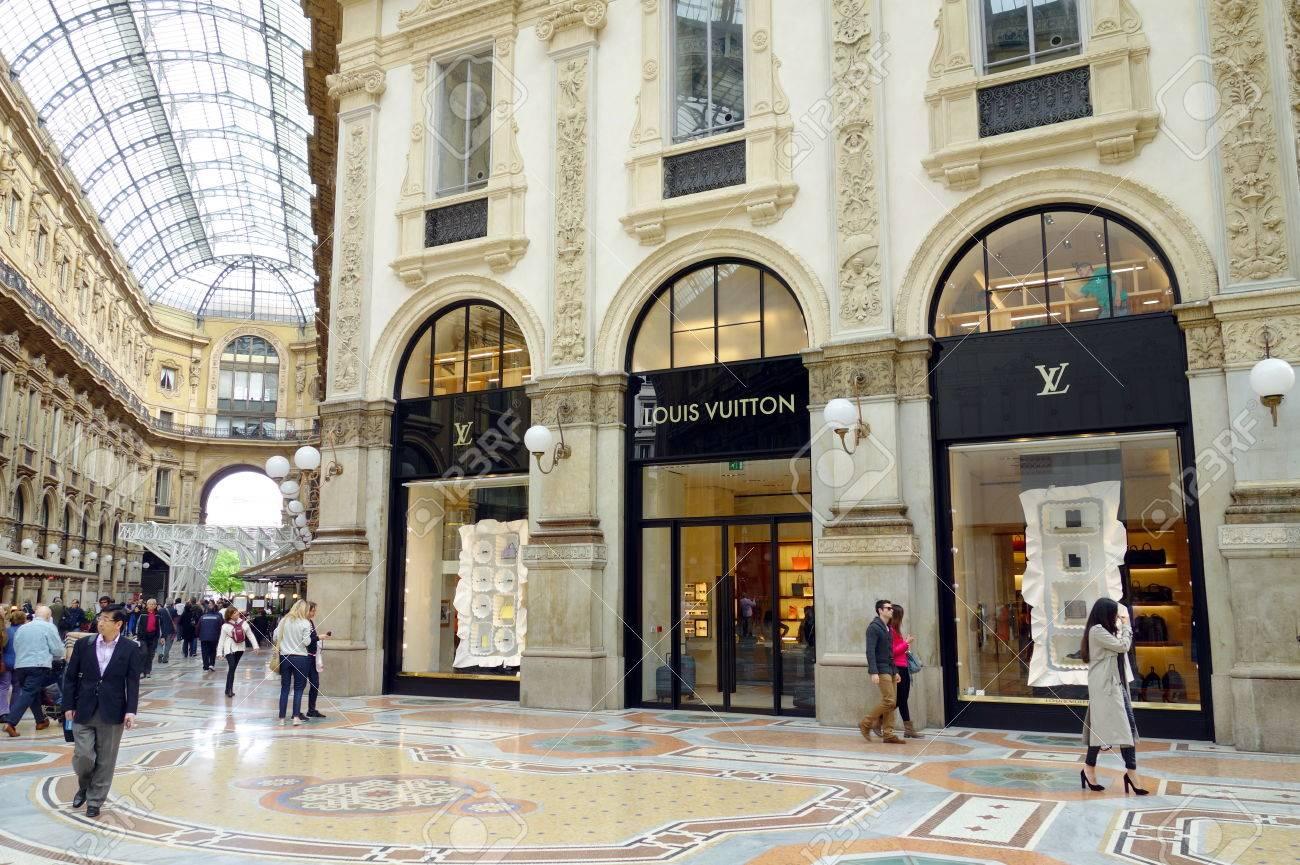 Milan Italy April 12 2014 Galleria Vittorio Emanuele S Louis