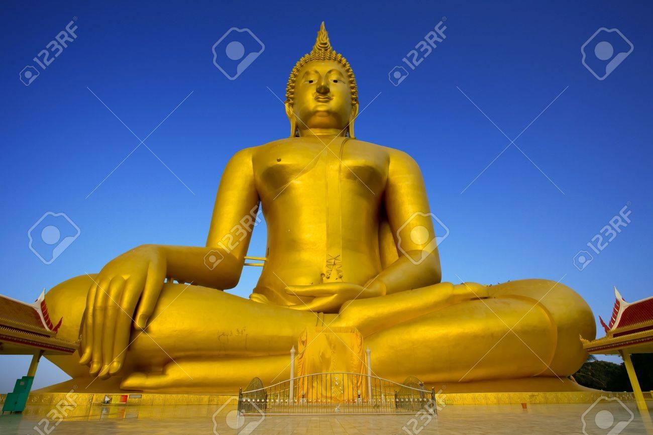 Luang Por Yai:Buddha Nawamin Sakayamuni Statue Sri Wiset Chai Chan.Holy largest Buddha in Thailand, Wat Muang Ang Thong. Stock Photo - 8303327