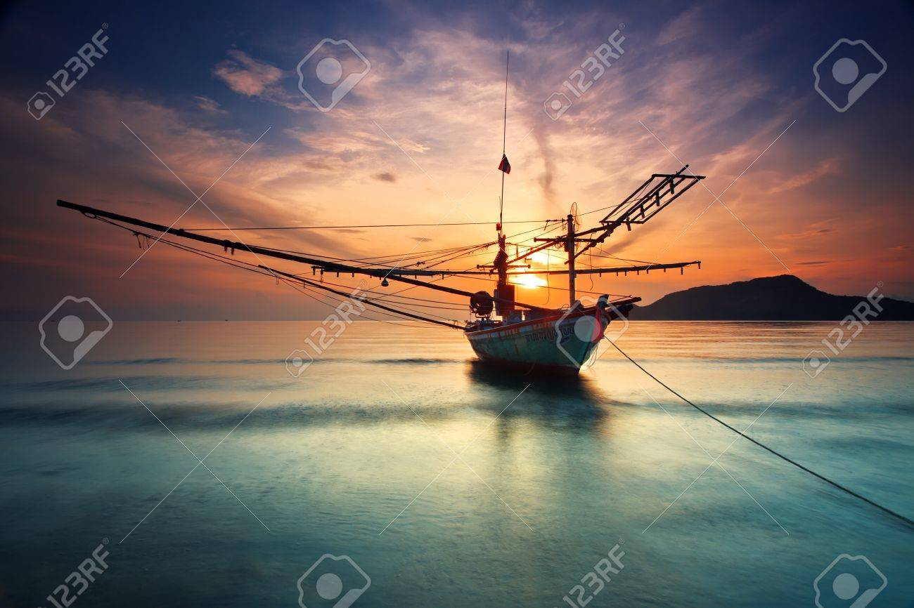 Fishing Boat Hua-Hin beach. Stock Photo - 10860585