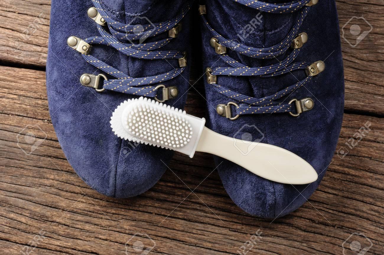 grande vente affaf 479eb Brosse d'entretien pour suède et nubuck chaussures